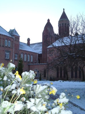 Cloister in winter (Quarr Abbey website)