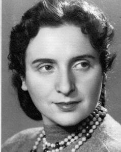 Chava Rosenfarb at 35