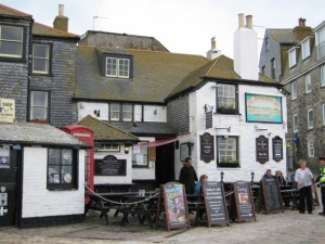 A favourite subject of the students: the white Sloop Inn.